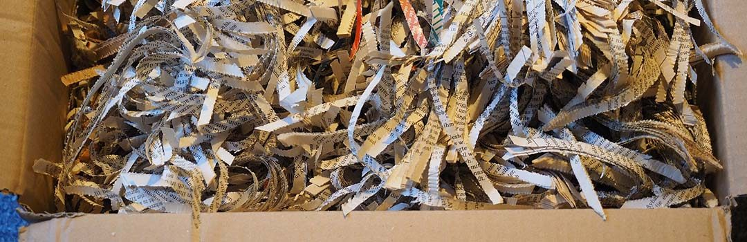 Good bye office junk! I a Paper Shredder. Desist the very sight of you